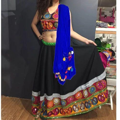 2653ad5bc74f29 Aglare Blho1 Embroidered Chaniya Choli at Rs 1200 /piece(s ...