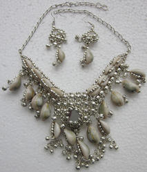 Womens Designer Cowrie Shells Necklace Set