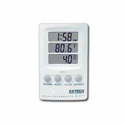 Hygro-Thermometer Clock