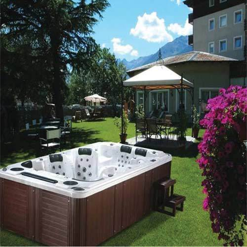 Outdoor spa swimming pool manufacturer from ghaziabad - Swimming pool in vaishali ghaziabad ...