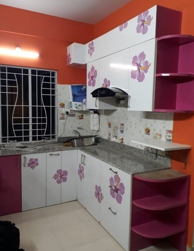 Plywood Solid Surface Kutchina Modular Kitchen 5yrs Rs 75000 Number Id 20239321891
