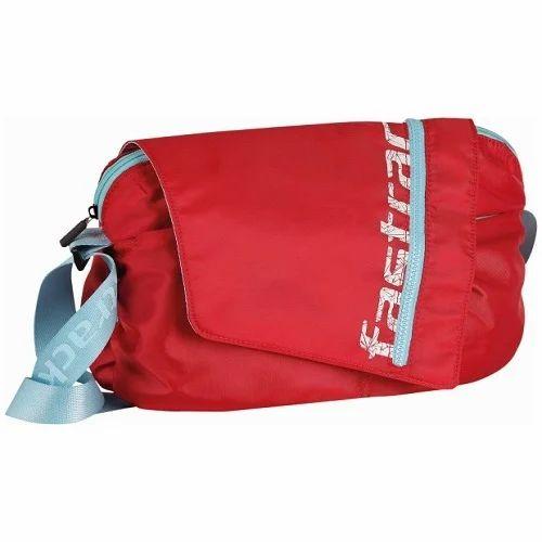 b0e38c8662f4 Fastrack College Bag