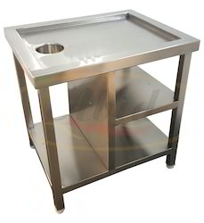 Standard Stainless Steel Garnish Table, Size: 36