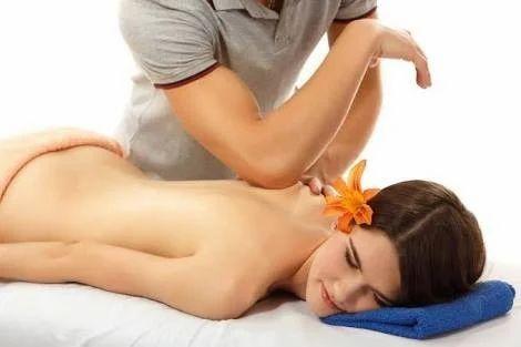 Body to body massage gay