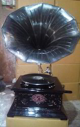 Brown Antique Black Look Gramophone With Carved Box