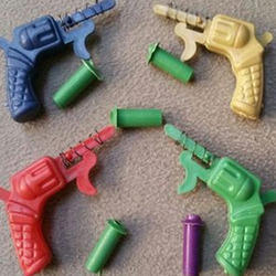 Plastic Gun Kurkura Toy