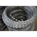 Galvanized High Carbon Steel Concertina Razor Wire, Material Grade: Gi, For Defence