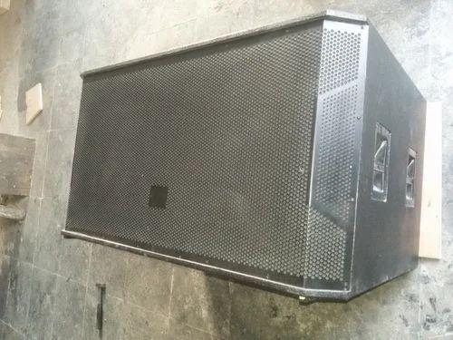 Dual 18 Bass Speaker Cabinet
