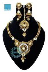 Traditional Kundan Stone Necklace Set