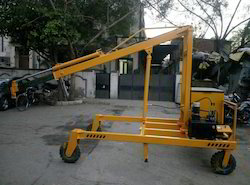 Battery Operated Mobile Floor Crane