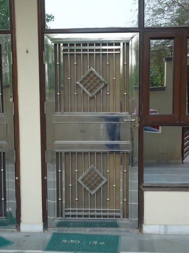 Ss Gate At Rs 1200 Square Feet Stainless Steel Gate