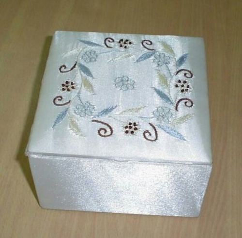 Jewelry Box and Stone Jewelry Box Manufacturer | Bhola Jewellers