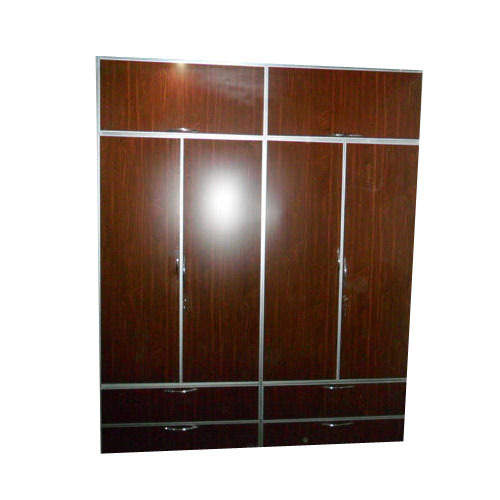 Aluminium Modular Kitchen At Rs 1100 Square Feet: Modular Aluminum Wardrobe At Rs 850 /square Feet