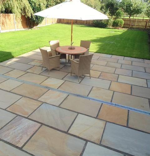 Yellow Square Garden Sandstone Paving Slabs, Size: 1x1 1x2 2x2 2x3 Feet, Thickness: 20-30mm