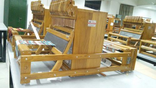 Handloom Weaving Machine, Model Number: Manual, Wooden