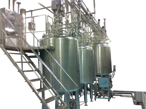 Stainless Steel Cream Manufacturing Vessel, Capacity: 1000-10000L
