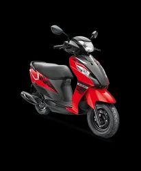 Stylish Suzuki Lets Red