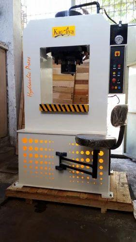 Hydraulic Press Machines - 200 Ton Hydraulic Press