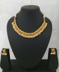Chain Necklace Flower Design Necklace Set, Size: Free Size, Occasion: Anniversary