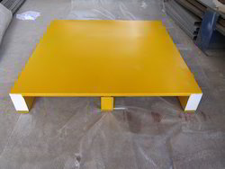 Golden Yellow Wooden Two Way Pallet, Dimension/Size: 1200 X 1200 X 150, Capacity: Up To 2 Ton