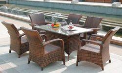 Sleek Style Outdoor Wicker Dining Table Set