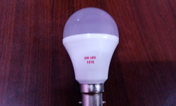 5 W Indoor DC LED Bulb, Base Type: B22