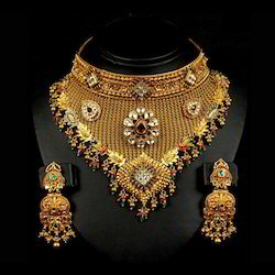 Kundan Gold Necklace Set