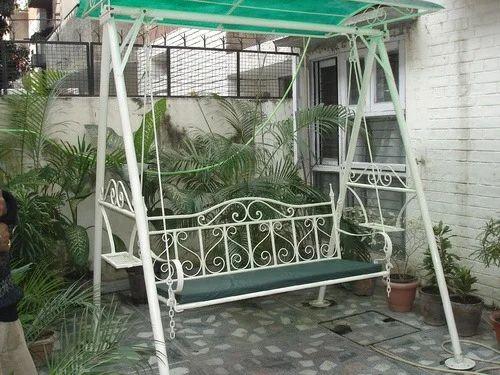 Simple Garden Jhula Design