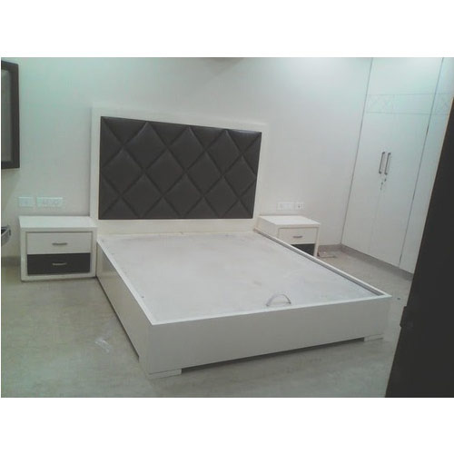 White Pu Finish Bed At Rs 50000 Piece S Beds Id