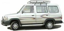 Toyota Qualis Car Rental Service