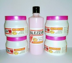 blezza face kit Mix fruit facial kit, Packaging Type: 2.5 kg