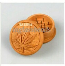 Leaf Design wooden Grinder