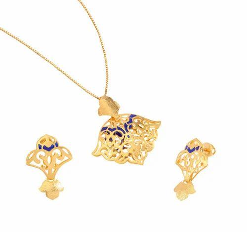 Tanishq amara gold pendant set at rs 39893 dumas road surat id tanishq amara gold pendant set aloadofball Choice Image