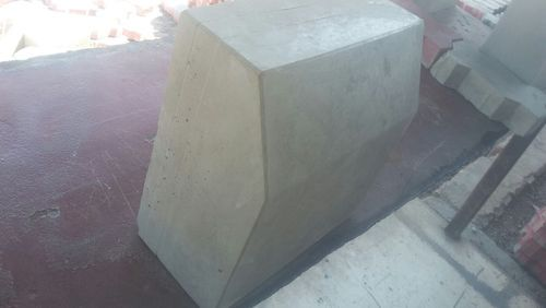Road Kerb Stone - Reflective Kerb Stone Manufacturer from Ahmedabad