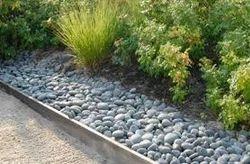Charmant Pebbles Garden Stone