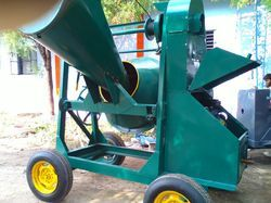 Concrete Mixer Machine - Engine with Hopper