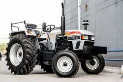 Tractor in Latur, ट्रैक्टर, लातूर, Maharashtra | Get