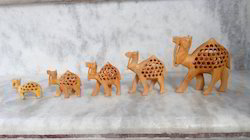 Multicolor Wooden Camel Set, Size/Dimension: Standard