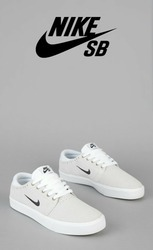 Nike White Casual Shoes at Rs 2500