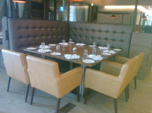 Restaurants High Back Sofa At Rs 7000