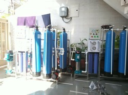 Automatic RO Plant 250 LPH, Number of Filtration Passes: 3, 0-200