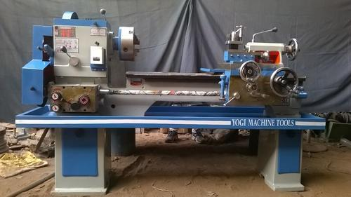 Yogi 6 Feet Medium Duty Lathe Machine