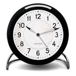 SS Round Black And White Table Clock