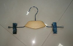 Wooden Bottom Hanger