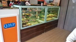 Pastry / Cake Counter