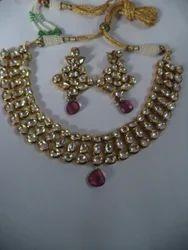 Fashionable Kundan Meena Neckpiece