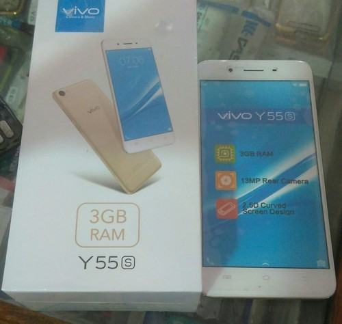 Vivo Y55s, Memory Size: 32GB, Screen Size: 5.5 Inches