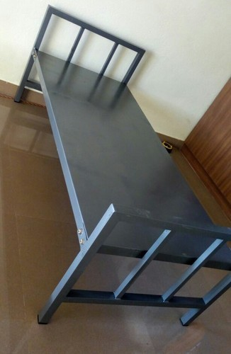 Steel Single Cot, Size: 6.25' x2.5'