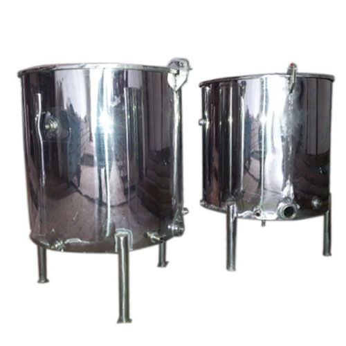Mild Steel And Stainless Steel White SS Storage Tank