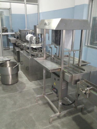 Full Automatic Liquid Filling Machine
